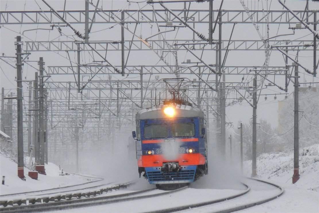 На Харьковщине женщина попала под электричку