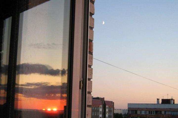 В Запорожье 30-летняя женщина выпала в окно пятого этажа