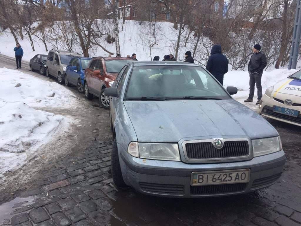 Виноват последний: в Полтаве произошло ДТП с участием пяти авто (фото)