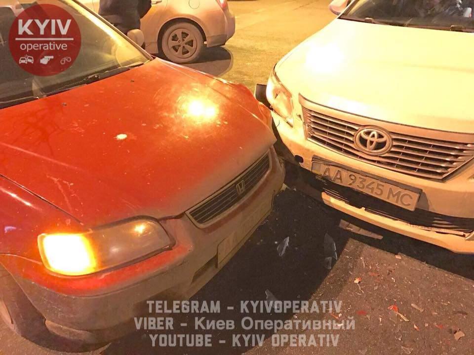 В Киеве из-за алкоголя произошло ДТП (Фото) (Видео)