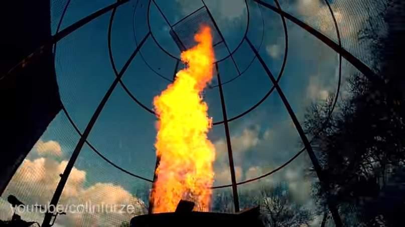 Британский блоггер заснял на видео 6-метровое огненное торнадо