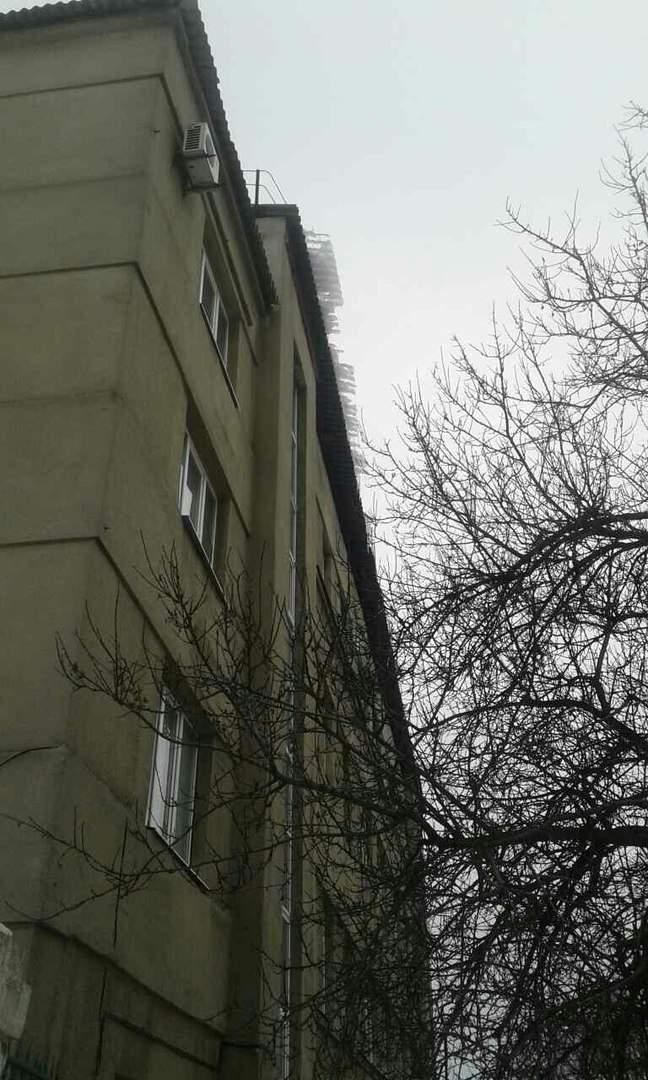 В Харькове опасность поджидает детей возле детской больницы