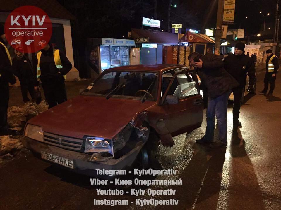 В столице бывший подполковник МВС влетел в отбойник (Фото) (Видео)