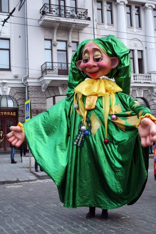 Парад на Масленицу в Харькове вызвал резонанс в соцсетях (Видео, фото)