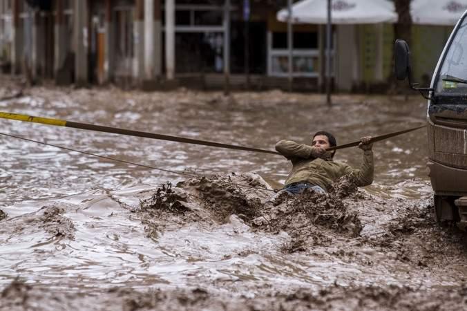 Столица Чили осталась без питьевой воды