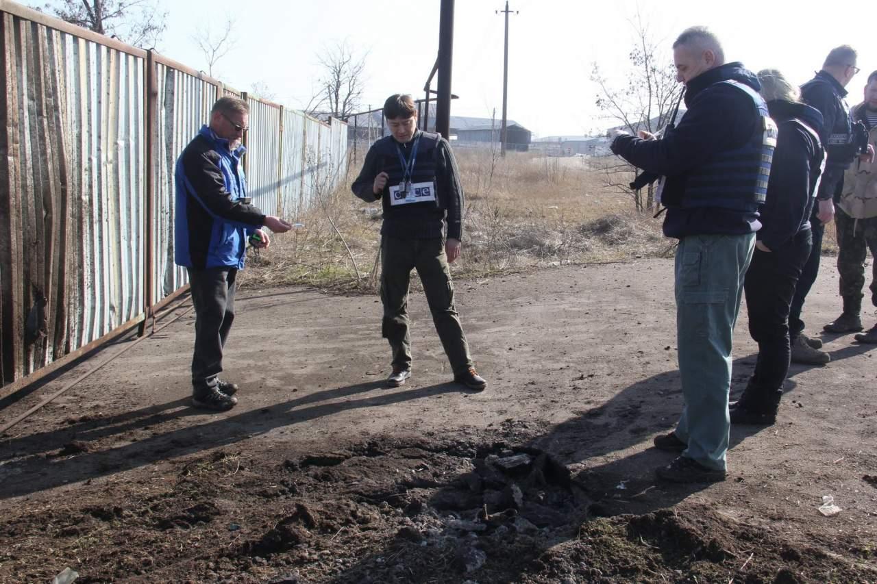 Фоторепортаж: пгт Талаковка подвергся ночному обстрелу (фото)