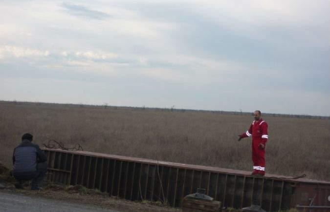 На Херсонщине с дороги съехал контейнеровоз (фото)