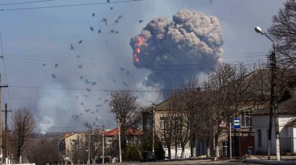 В Балаклее продолжают раздаваться взрывы
