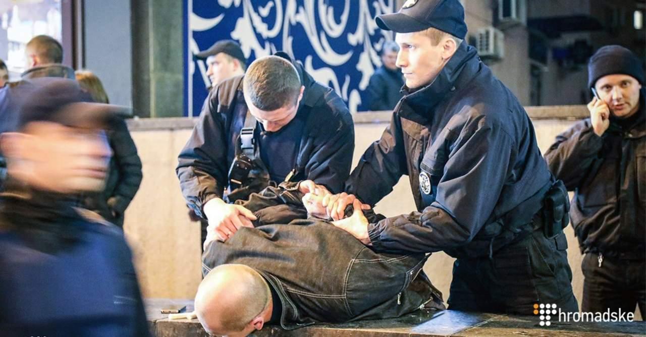 В центре Киева бытовая ссора переросла в стрельбу: ранен мужчина (фото)