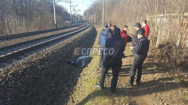 Столичный школьник погиб во время фотографирования поезда