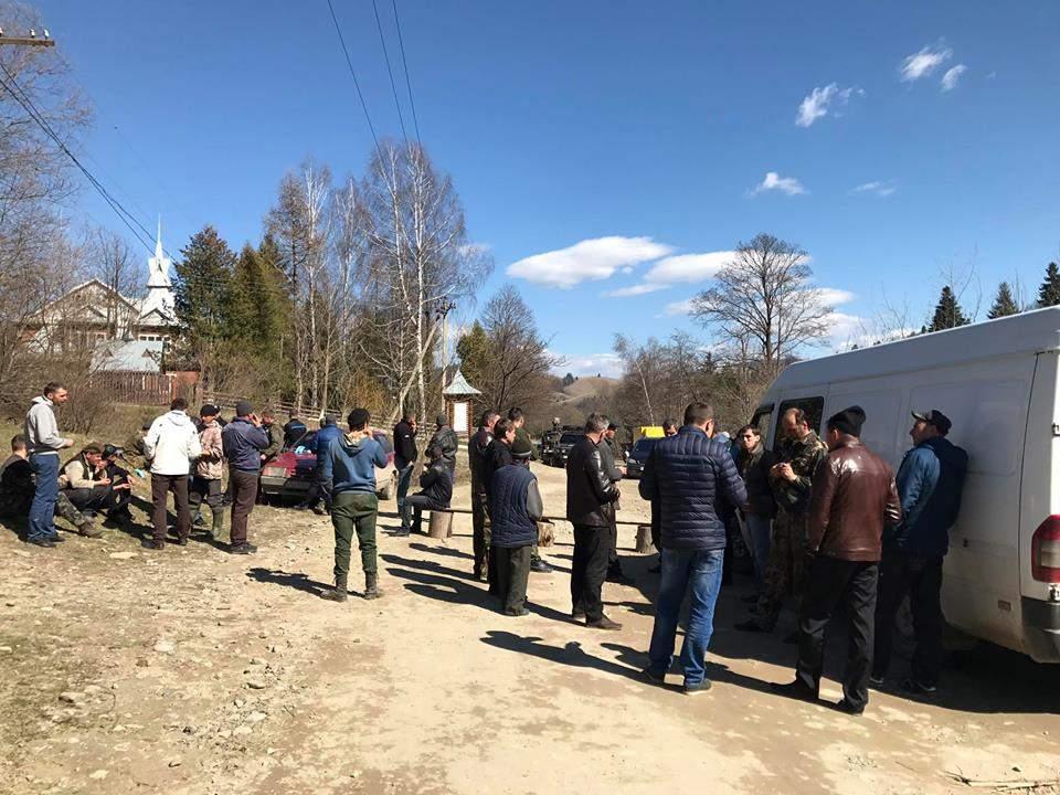 В Ивано-Франковской области жители протестуют против вырубки леса