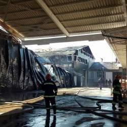 На Прикарпатье горели склады фабрики (Фото)