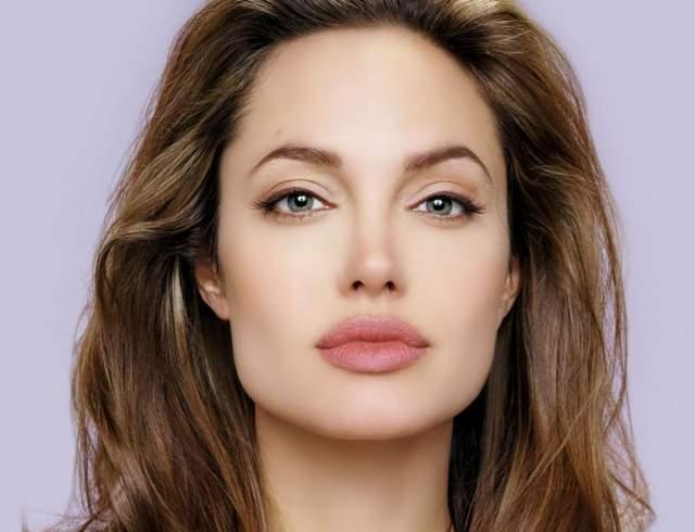 Анджелина Джоли рассказала о своей невероятной маме