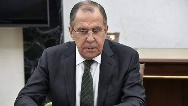 Глава МИД РФ рассказал о постоянной связи Порошенко с Путиным