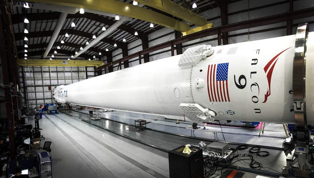 Революция в космической индустрии:  успешный повторный полет и посадка  Falcon 9  (Видео)