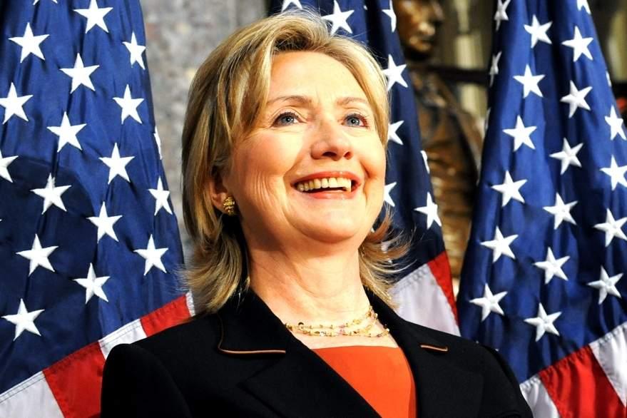 Клинтон уличили в пользовании секретной информацией вне должности