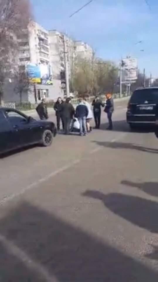 Во Львове пьяный водитель совершил наезд на женщину-пешехода (фото)
