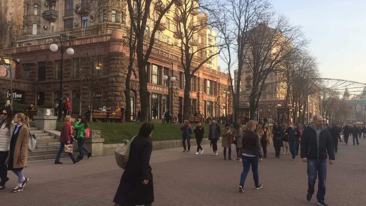 Весенние краски Крещатика: Киев проснулся после зимней спячки (видео)