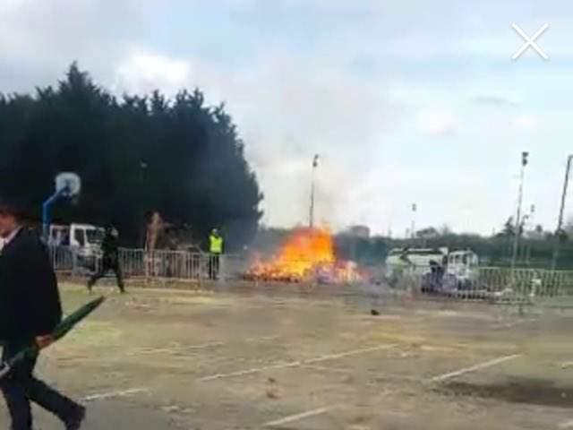 В Париже во время празднования карнавала прогремел взрыв: есть пострадавшие (видео)