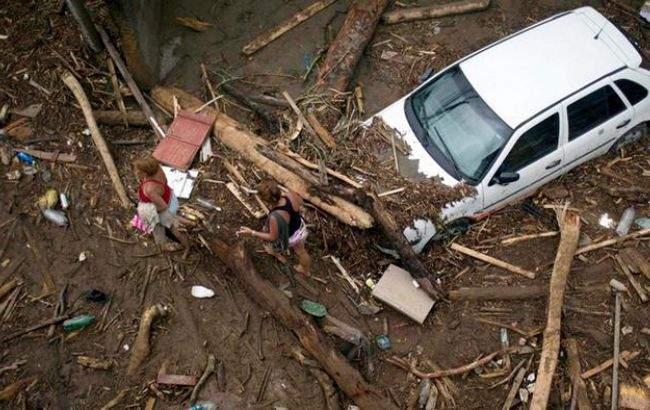 Погодные ужасы в Колумбии: вследствие селевых потоков погибли 112 человек