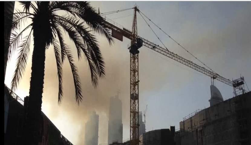 В Дубае горит строительная площадка: город в дыму (фото)