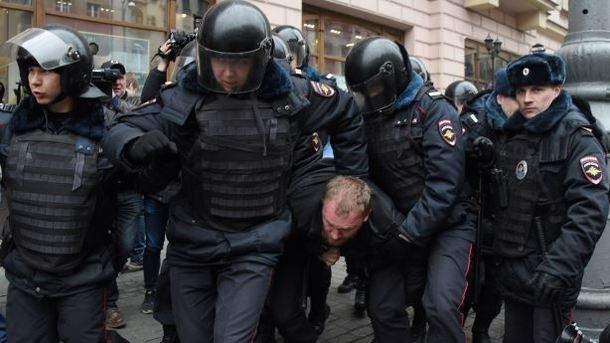 Протесты в Москве продолжаются: Уже задержано более 40 человек