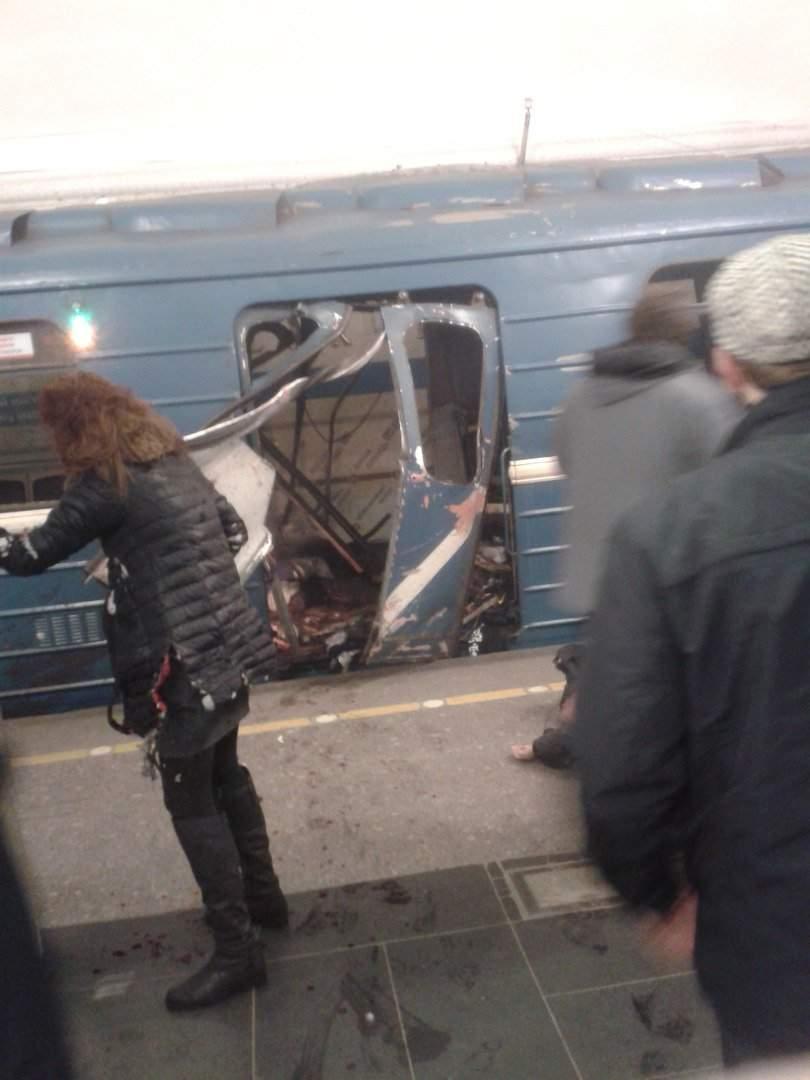Ужасный взрыв в метро Санкт-Петербурга. Известно о 10 жертвах (Видео, фото)