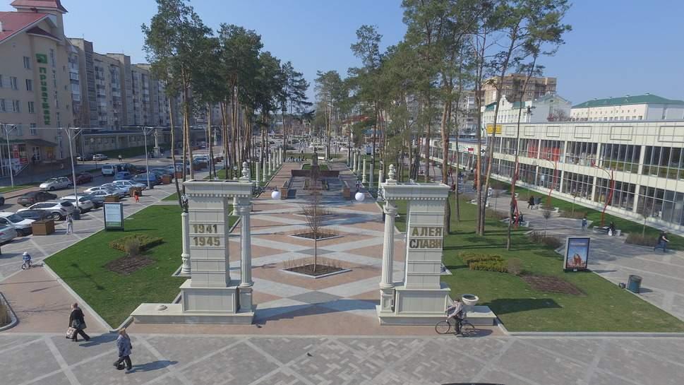 Ирпень, как исключение из правил:  центральная площадь поражает красотой, а дороги – минимумом ям (фото)