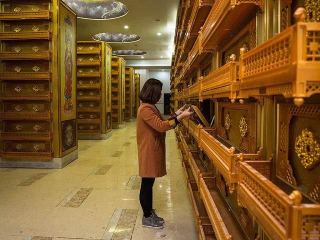 Райские покои: самое дорогое кладбище в Китае поражает размахом (фото)