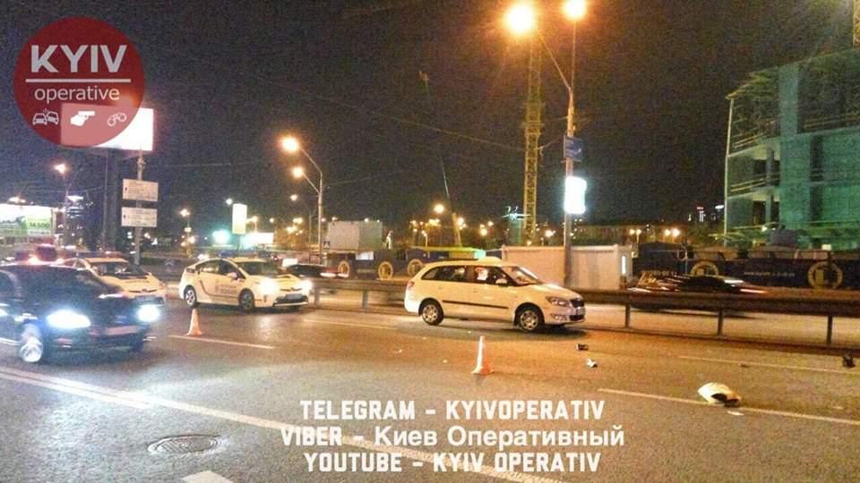 В Киеве под колеса авто попала пешеход-нарушитель (Фото)