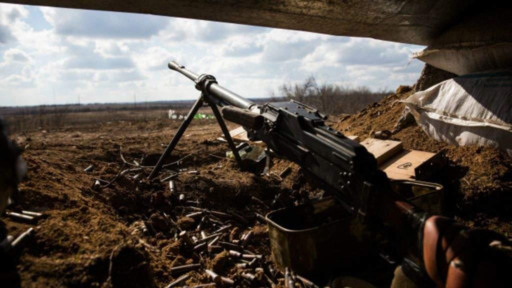 Активные обстрелы в АТО продолжаются: 5 украинских военных получили ранение