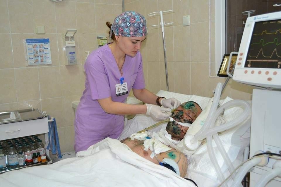 Днепровские светила медицины спасают мужчину, взорвавшего себя (фото)