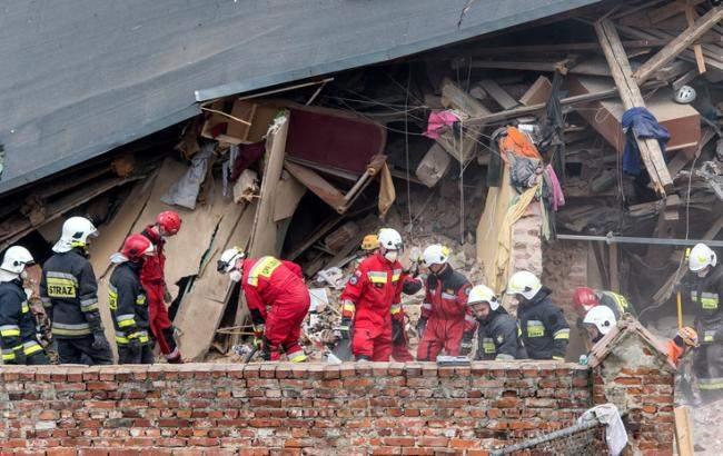 В Польше в результате обрушения жилого здания погибли четыре человека