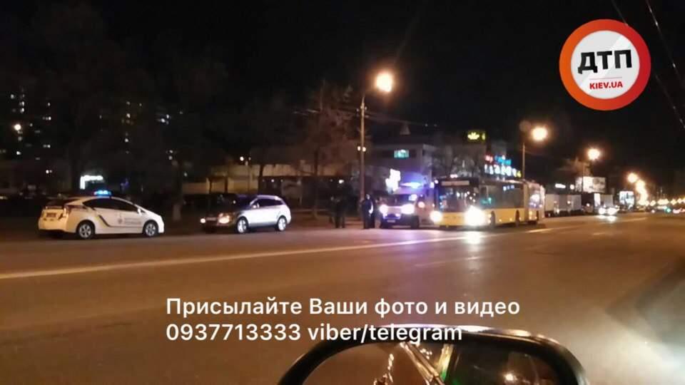 В столице под колёса авто попал пешеход (фото)
