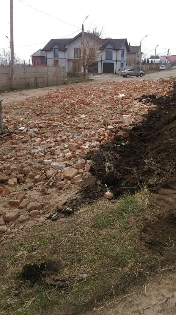 Харьков продолжает удивлять новыми методиками ремонта дорог (Фото)