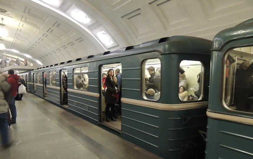 В метро города Нью-Йорка  женщина попала в беду, но пассажирам было наплевать (Видео)