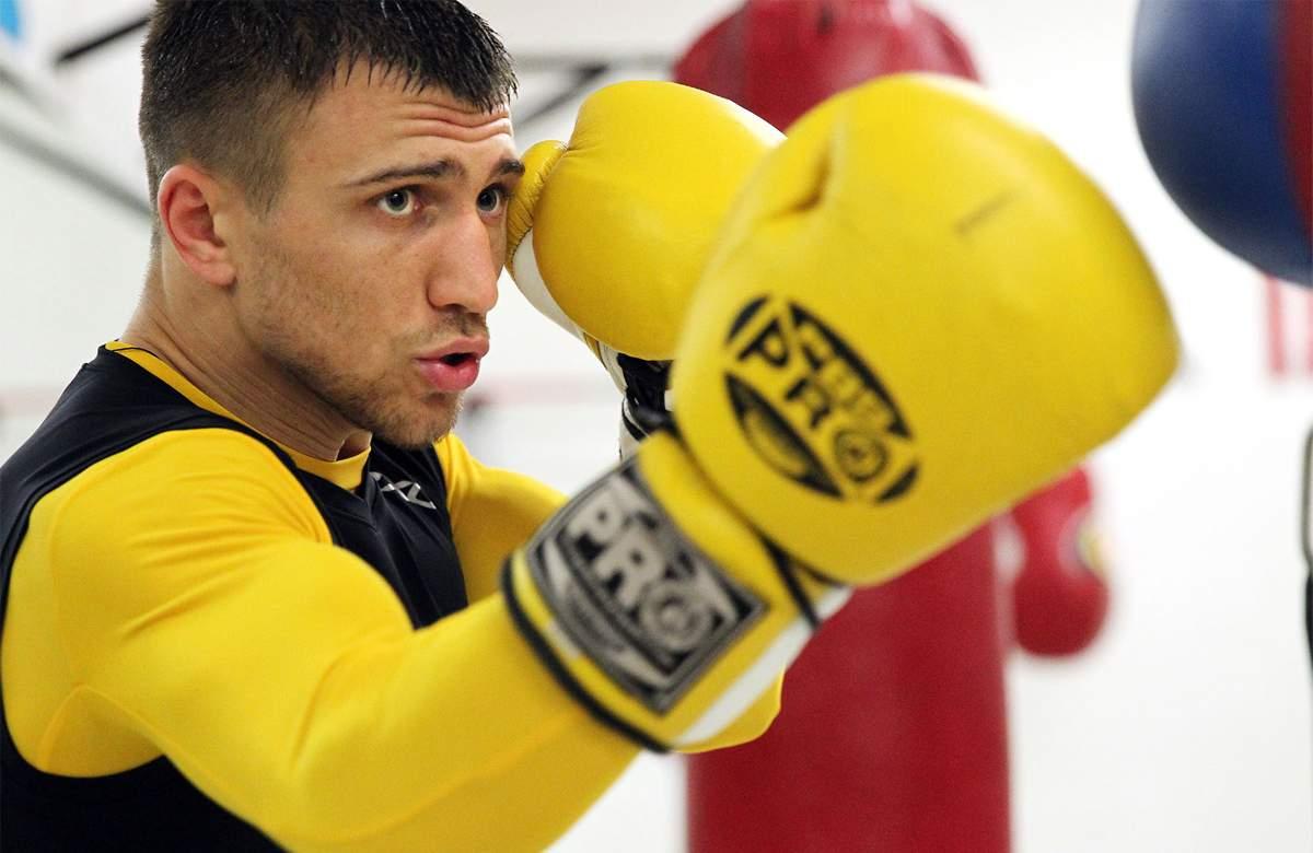 Украинский боксёр-профессионал посвятил свою победу погибшему другу
