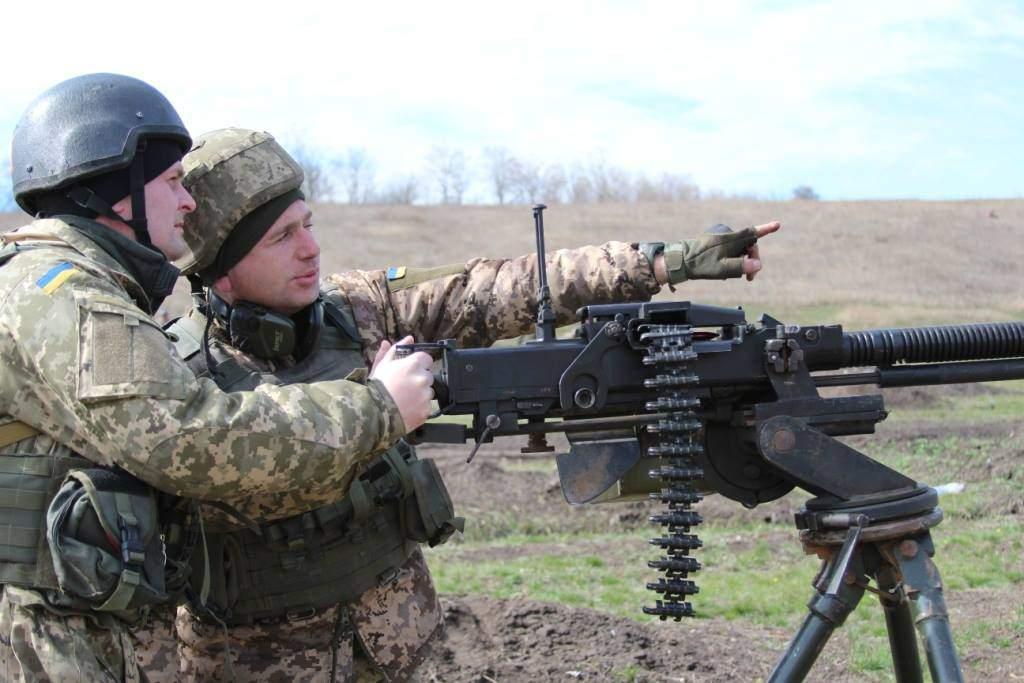 Режим «тишины» в АТО  регулярно нарушается: двое украинских военных получили ранения