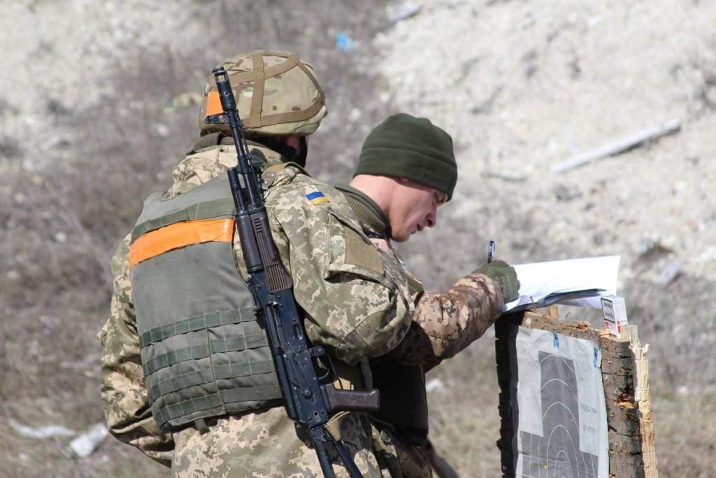 В зоне АТО - эскалация конфликта: ранены пятеро украинских бойцов
