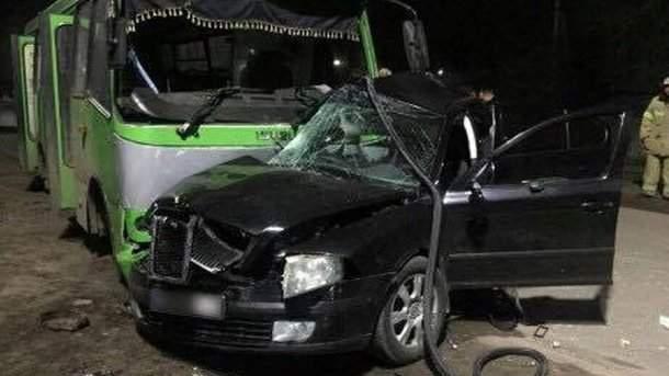 ДТП на Харьковщине унесло жизни 2 человек. Еще 11 пострадали