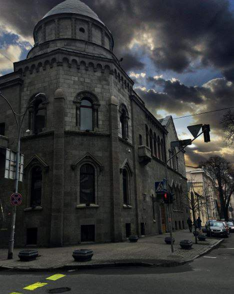 Сказочные весенние снимки волшебной столицы (Фото)