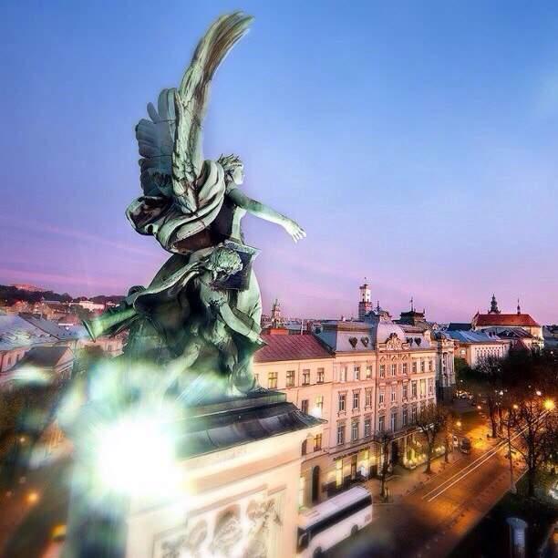 Магический вечерний Львов (Фото)