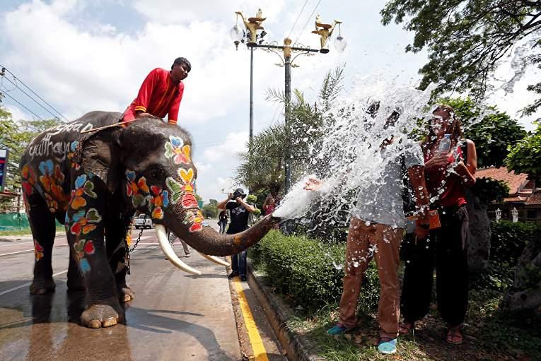 В Таиланде проходит Новый год (Фото)