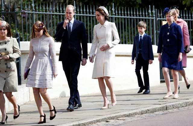 Елизавета II  -  в мятном, Кейт Миддлтон -  в белом: в чём отмечали Пасху монархи (фото)