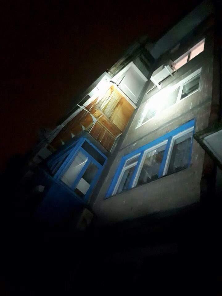 В Киеве женщина бежала от сожителя через балкон (Фото)