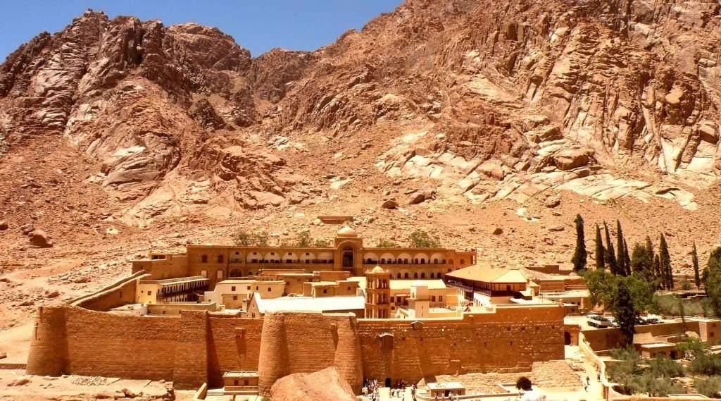 Вину за теракт в монастыре Святой Екатерины в Египте взяли на себя в ИГИЛ