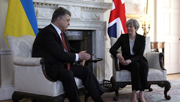 Порошенко пригласил премьера Великобритании посетить  Украину