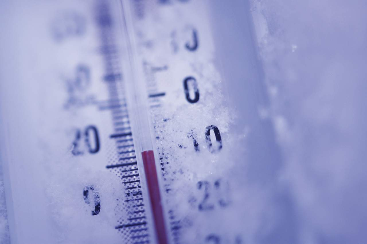 Из-за снежной стихии в Ужгороде продлили отопительный сезон