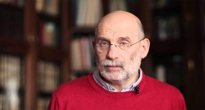 Агрессивная диктатура не может быть эффективной: Акунин прогнозирует смену режима в России