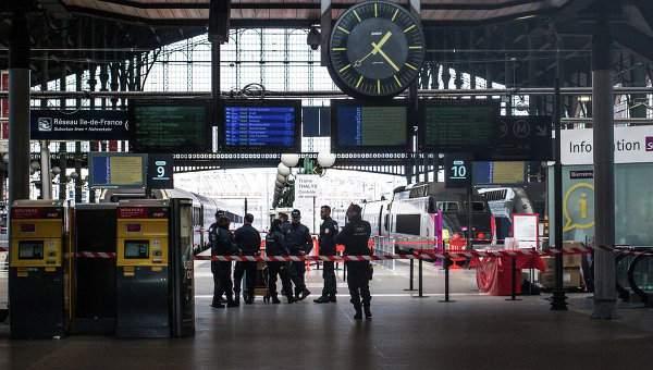 На вокзале в Париже задержан вооруженный ножом мужчина
